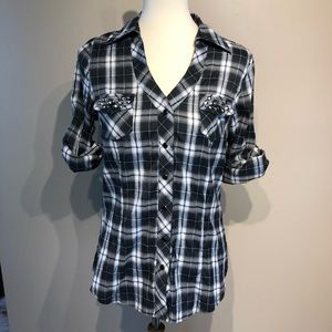 BKE Pearl Snap Button Down Size Medium